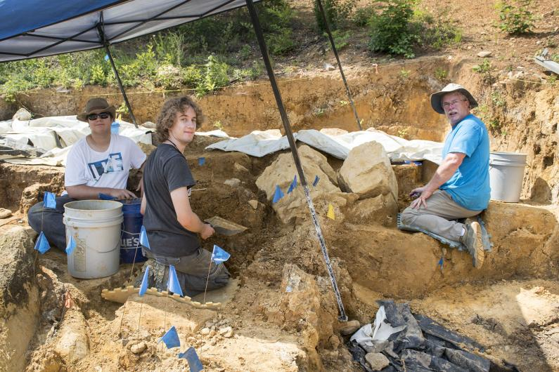 Gray Fossil Site Digpit Volunteers